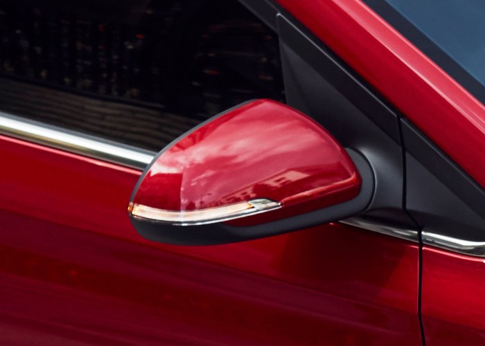 2020 Hyundai Accent SEL heated side mirrors