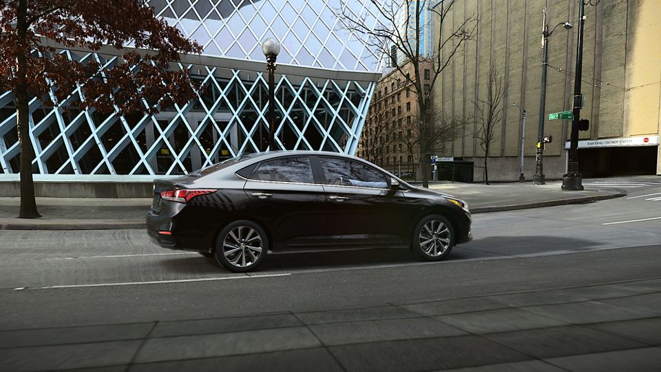 360 Exterior Image of the 2020 ACCENT in Absolute Black