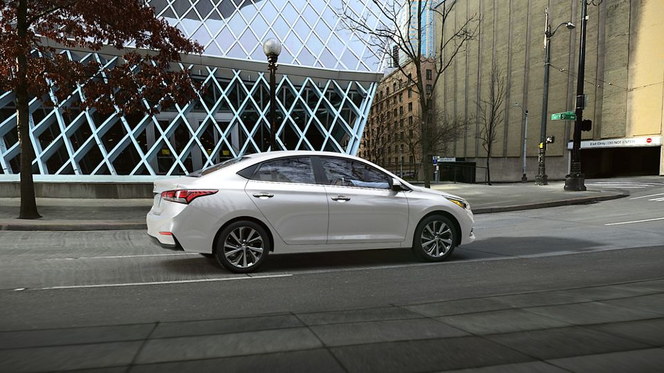 360 Exterior Image of the 2020 ACCENT in Frost White Pearl