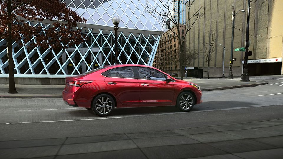 360 Exterior Image of the 2020 ACCENT in Pomegranate Red
