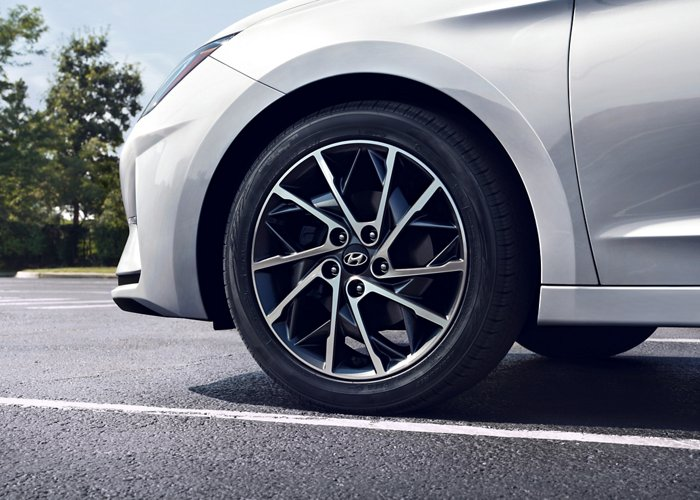 2020 Elantra Limited Alloy Wheels