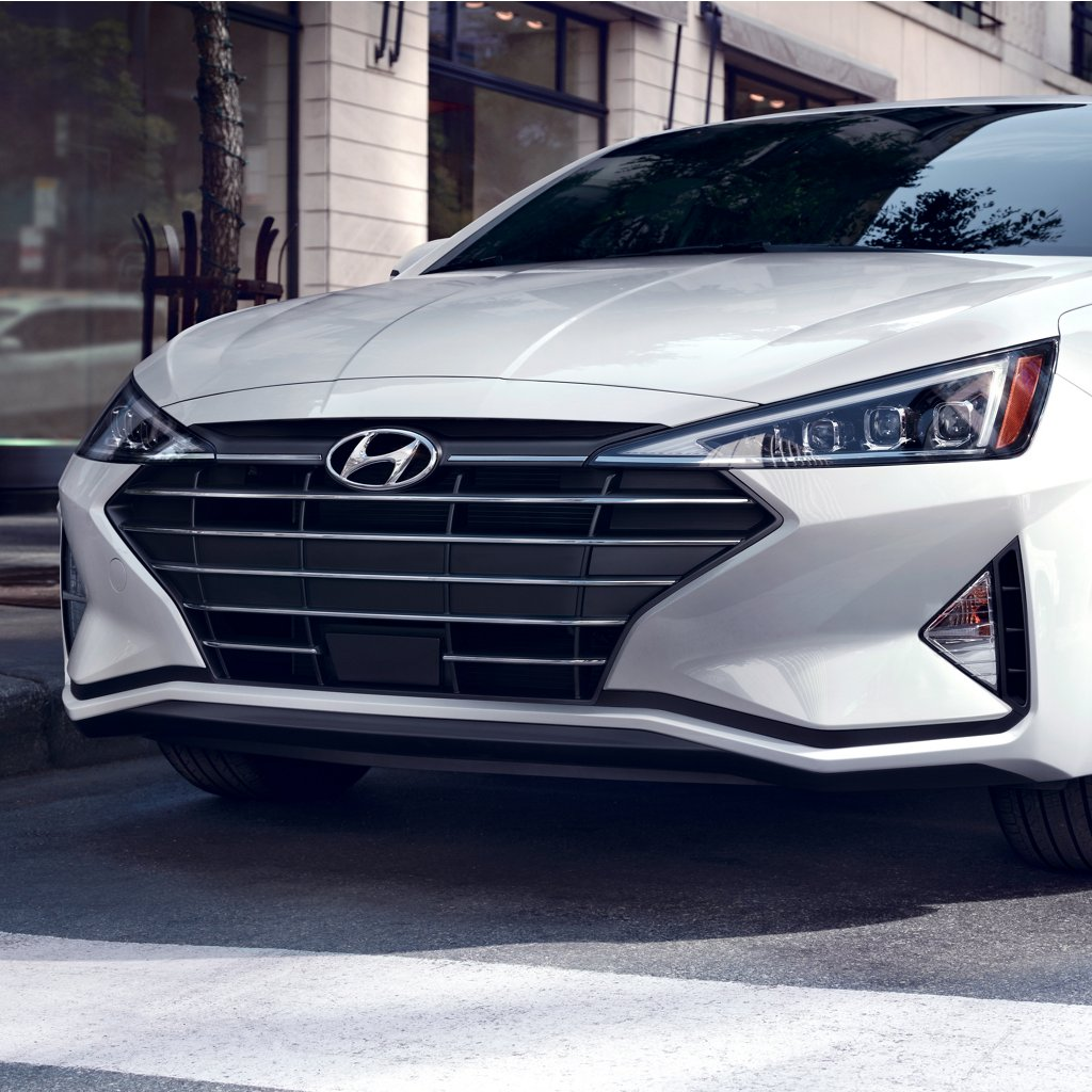2020 Elantra Limited In White Grille