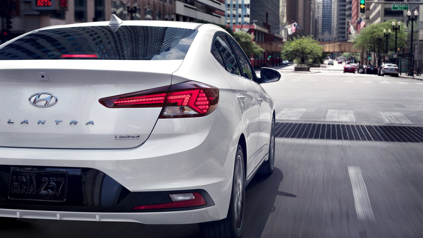 2020 Hyundai Elantra Limited LED Tail lights