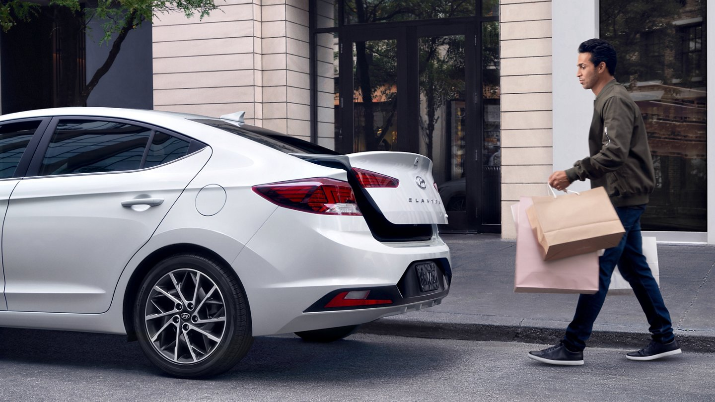 2020 Hyundai Elantra Limited Hands Free Trunk