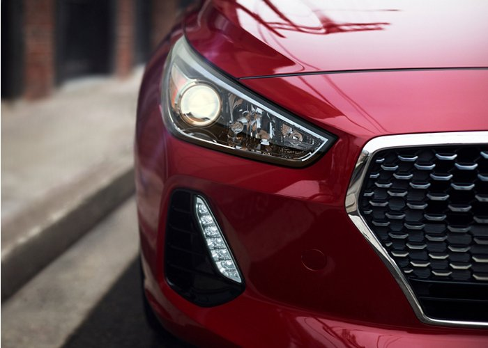 2020 Hyundai Elantra GT LED Daytime running lights