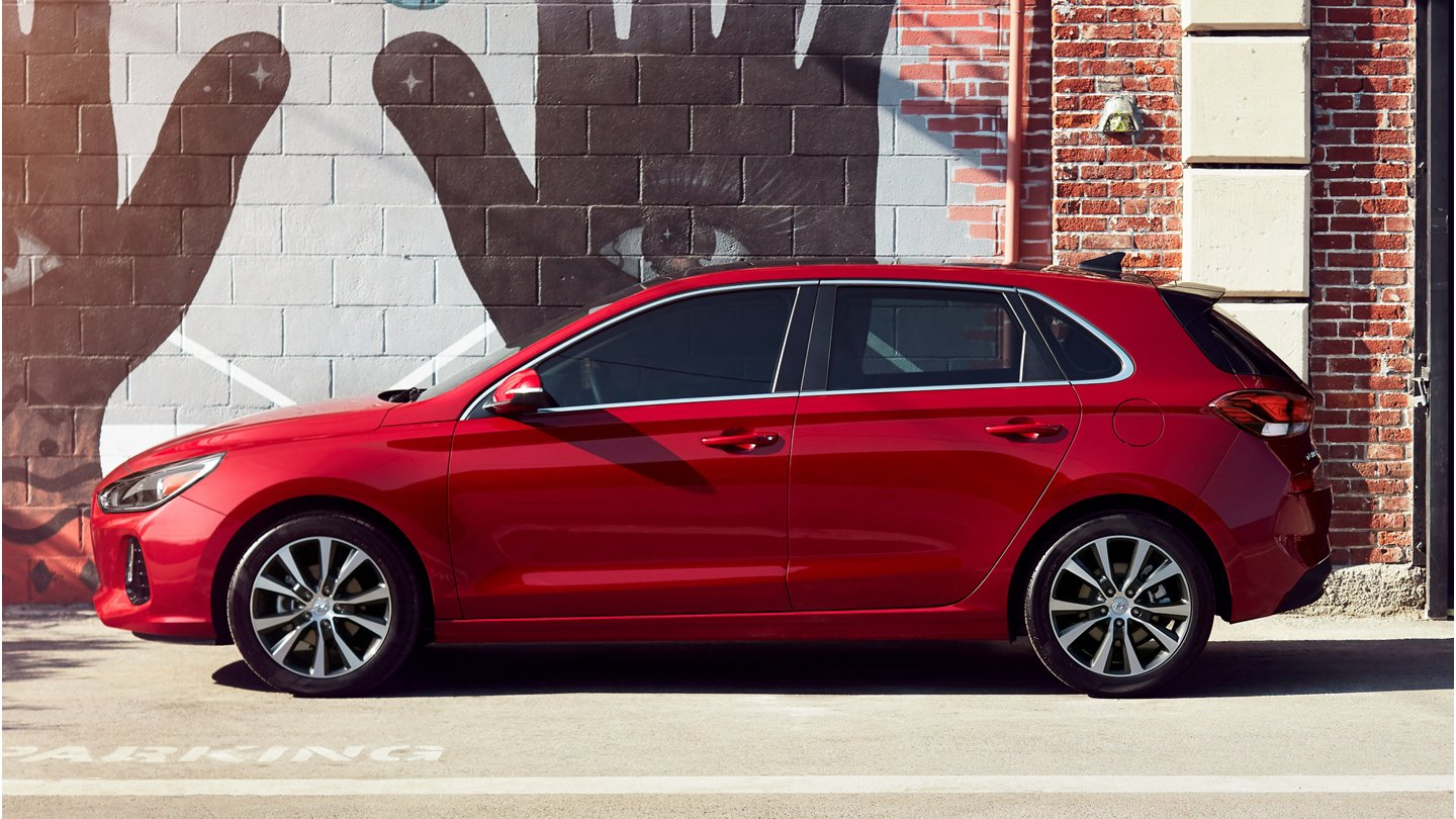2020 Hyundai Elantra GT in red