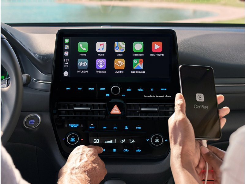 2020 Hyundai Ioniq Hybrid Limited Android Auto and Apple CarPlay