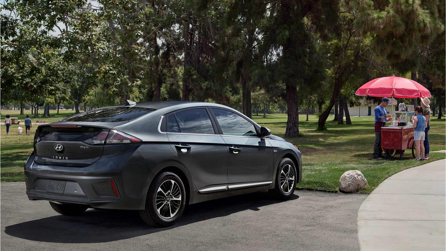 Hyundai USA | Ioniq Plug-In Hybrid parked in front park
