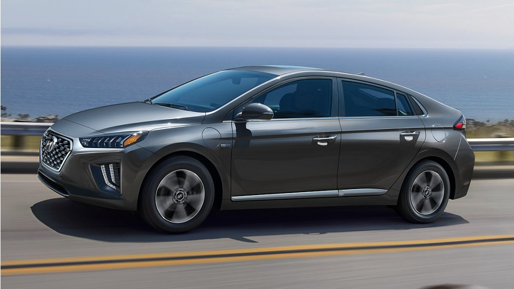 Hyundai USA | 2020 Ioniq Plug-in Hybrid side view