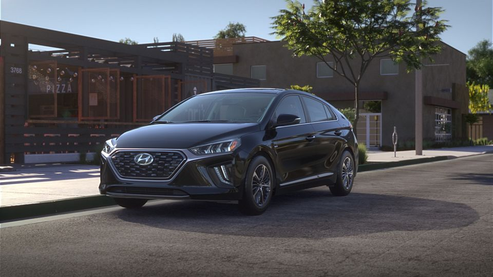360 Exterior Image of the 2020 IONIQ Plug-in Hybrid in Black Noir Pearl