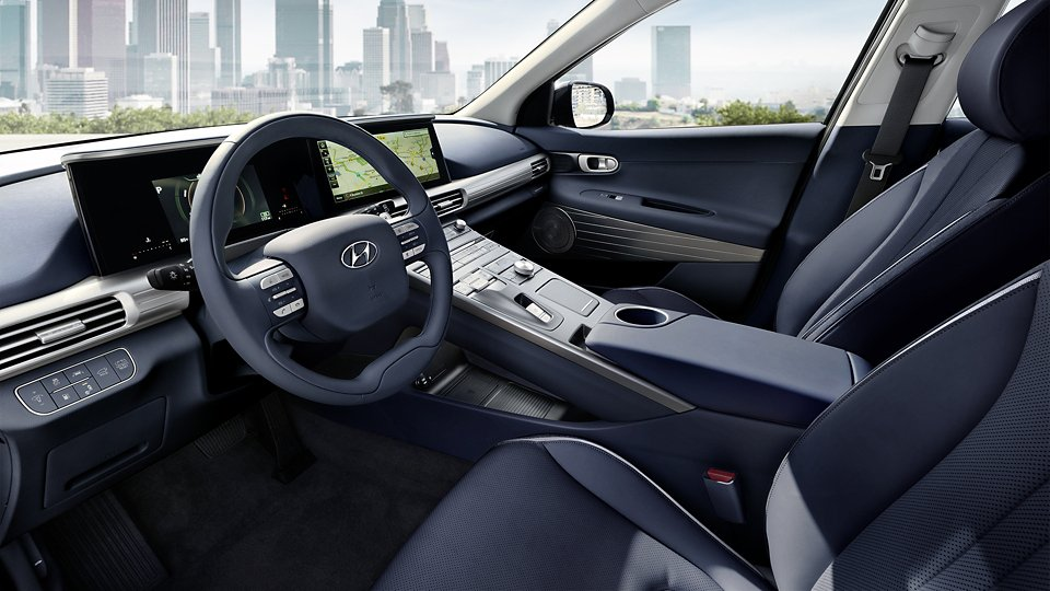 360 Interior Image of the 2020 NEXO Fuel Cell Limited in Meteor Blue Leather