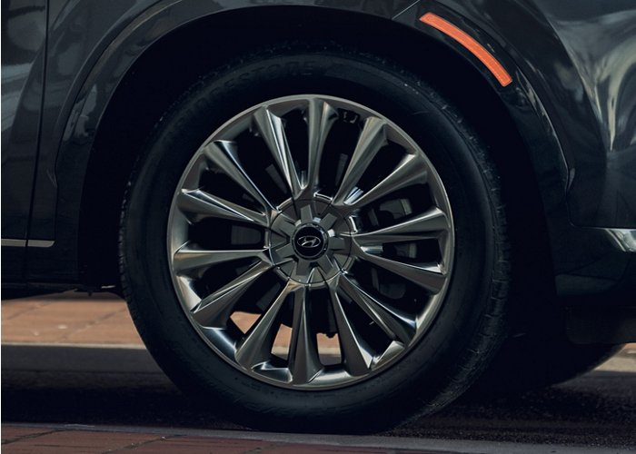2020 Hyundai Palisade alloy wheels