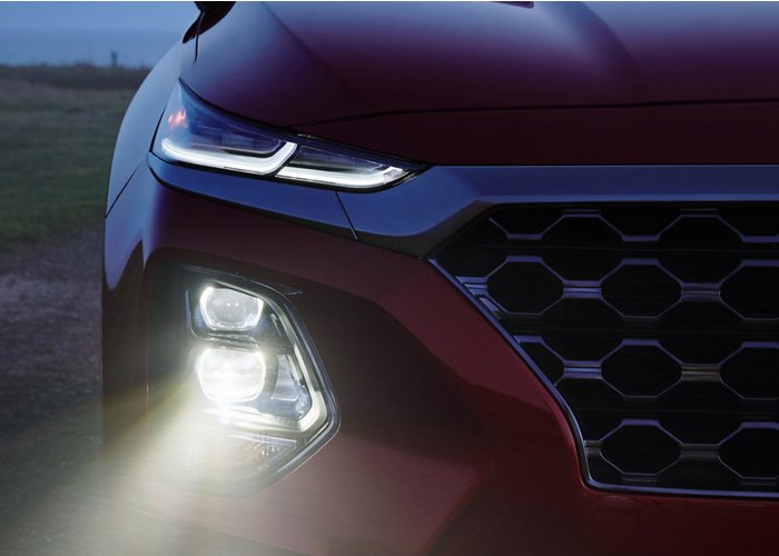 2020 Hyundai Santa Fe Limited LED headlights