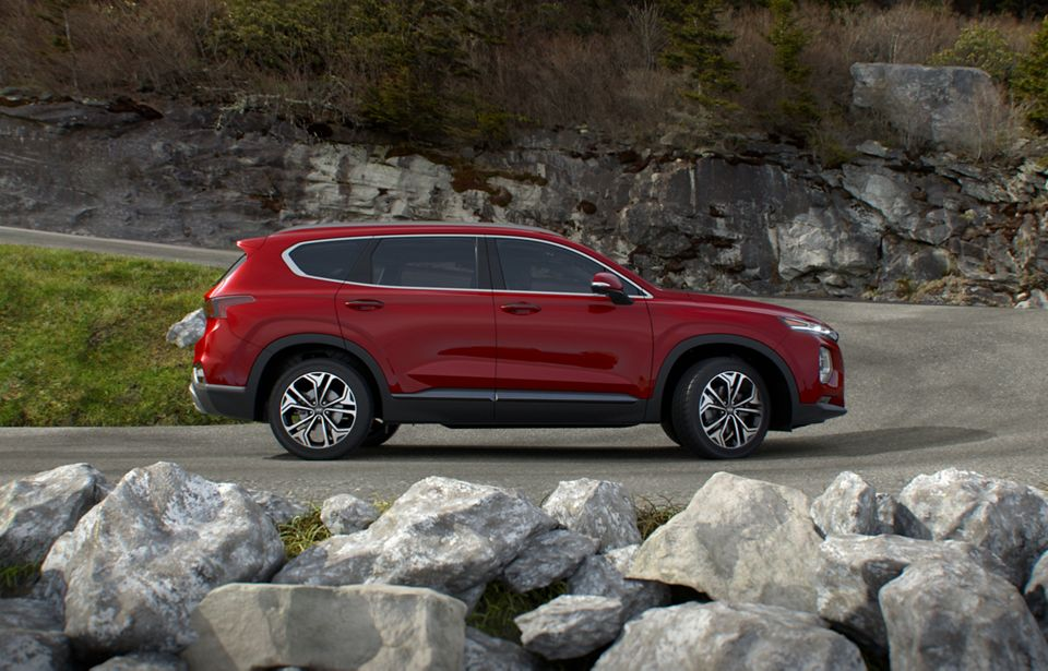 360 Exterior Image of the 2020 SANTA FE in Calypso Red