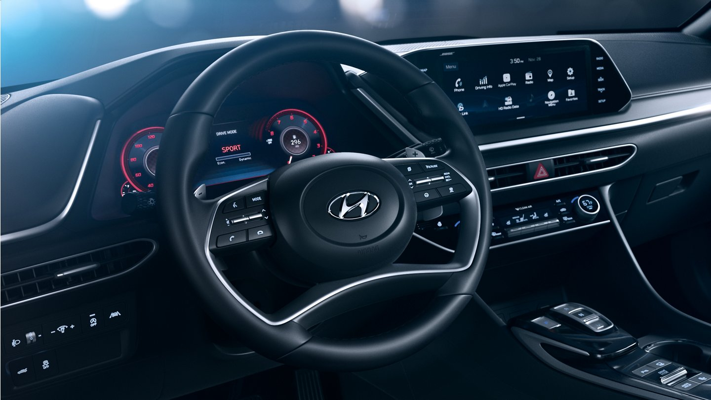 2020 Hyundai Sonata SEL Plus Leather wrapped steering wheel