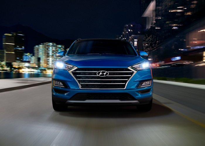 2020 Hyundai Tucson front lights and grille