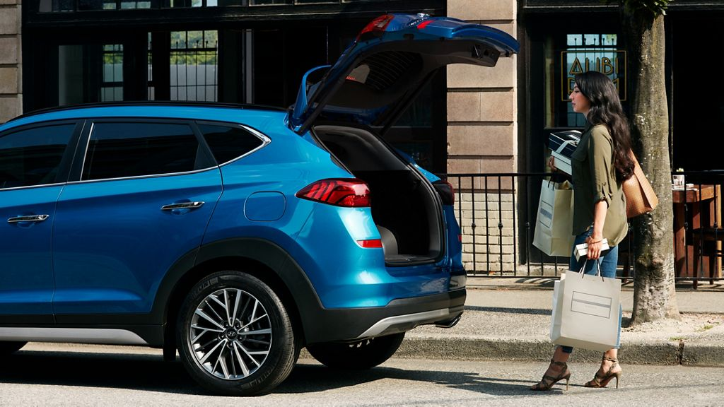 2020 Hyundai Tucson Hands-free smart liftgate