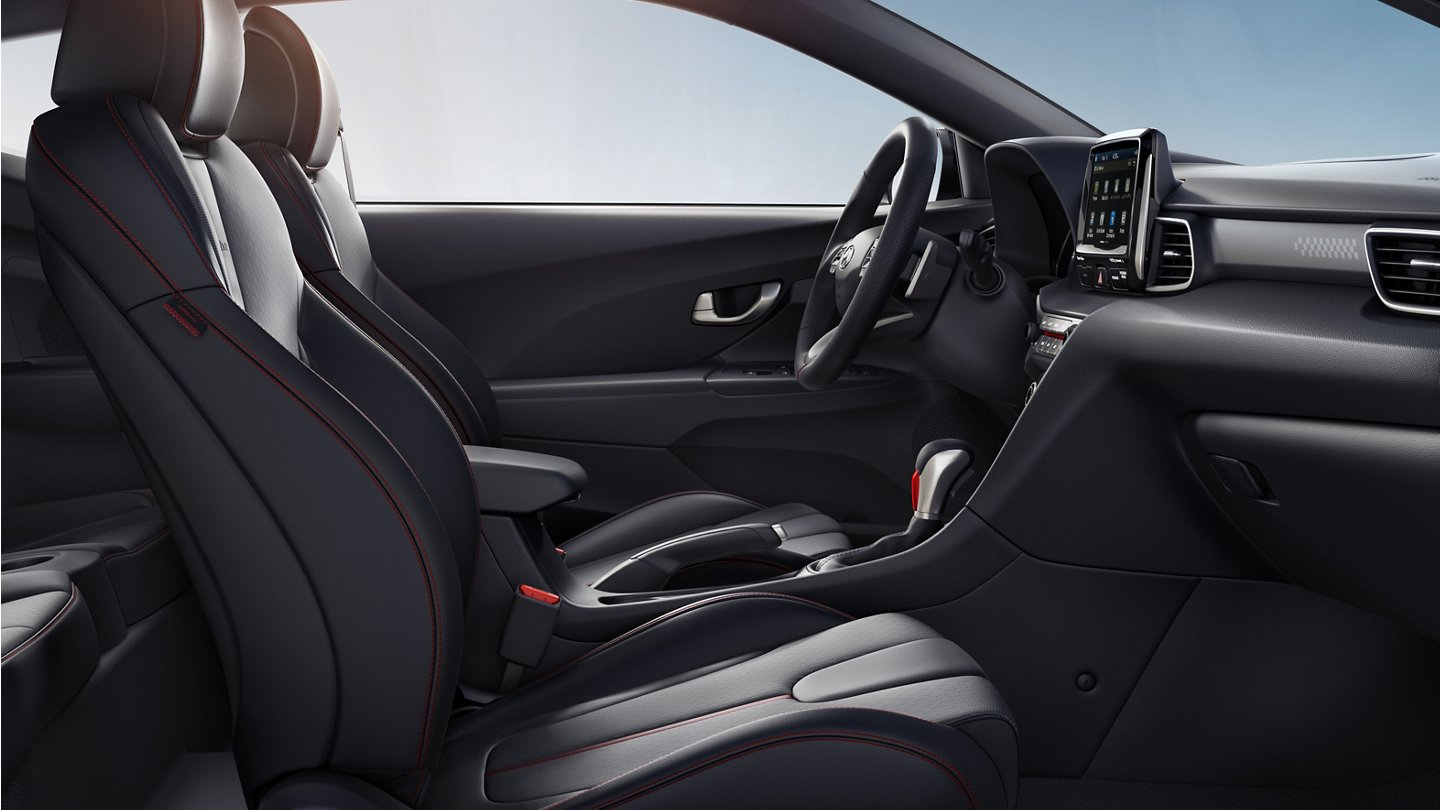 2020 Hyundai Veloster Turbo front seats