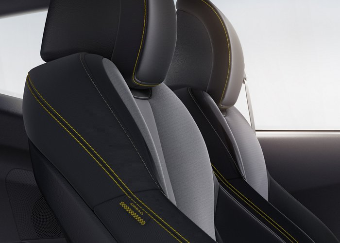 2020 Hyundai Veloster Turbo R-Spec cloth seating