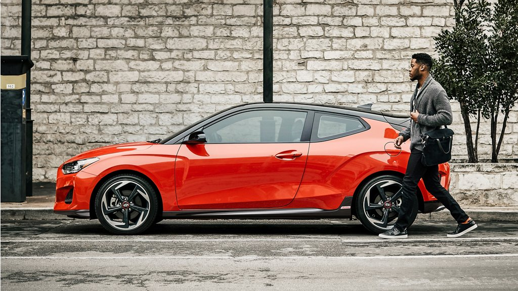 2020 Hyundai Veloster side view