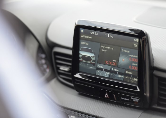 2020 Hyundai Veloster N Color Touchscreen display