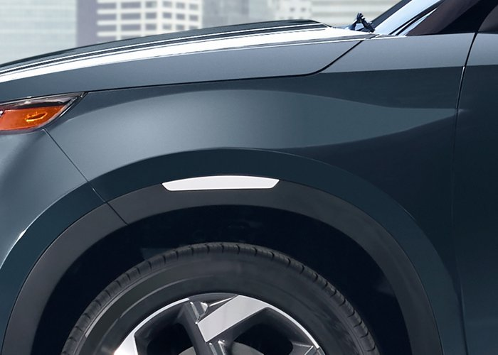 2020 Hyundai Venue Denim White accent color wheel detail