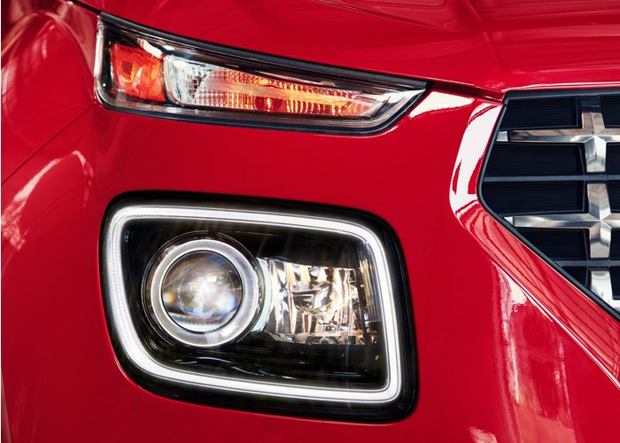 2020 Hyundai Venue Bi-LED Headlights