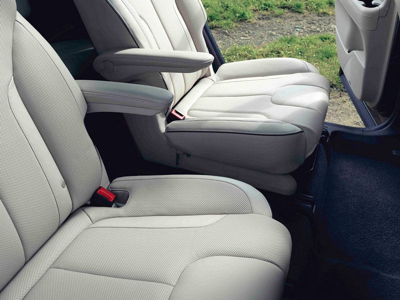 2021 Hyundai Palisade Limited heated second row seats