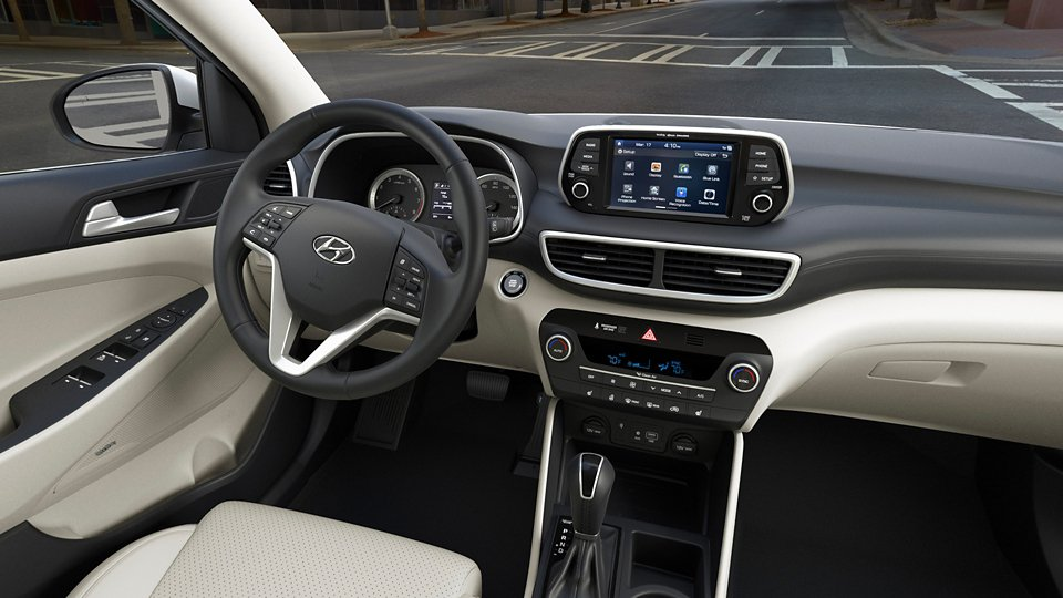 360 Interior Image of the 2021 TUCSON Limited in Beige