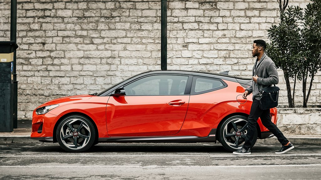 2021 Veloster side view