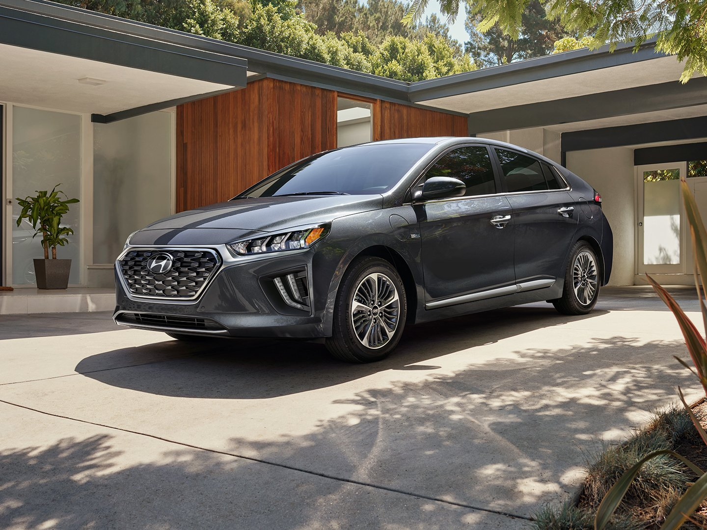 2020 Ioniq Plug In Hybrid in Summit Gray