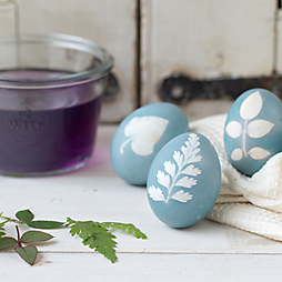 "How-To: ""Sunprint"" Easter Eggs"