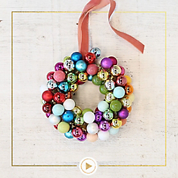 How to Make a Miniature Bulb Wreath