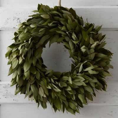 Fresh Myrtle Circle Wreath