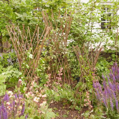 Woven Willow Flare Obelisk