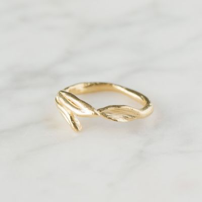 Twin Leaves Ring