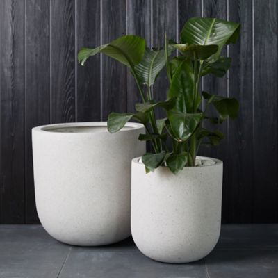 Fiber Concrete Rounded Planter