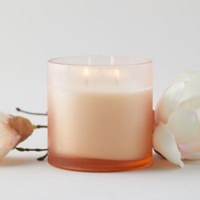 Linnea's Lights Candle, Magnolia