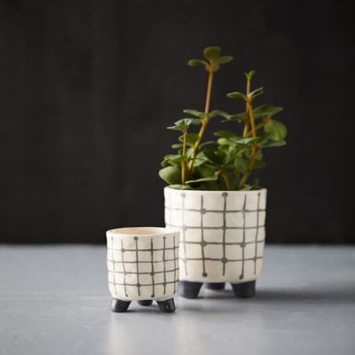 Footed Print Pot