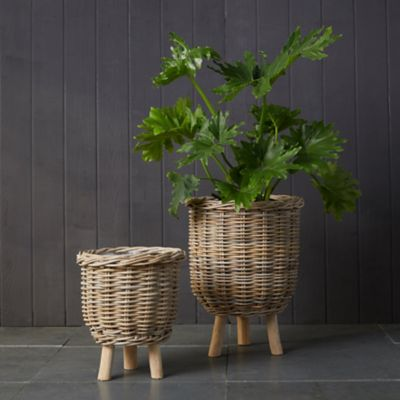 Rattan Footed Basket Planter
