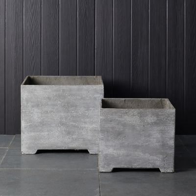 Footed Fiber Concrete Planter