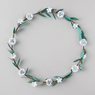 Iron White Flower Wreath