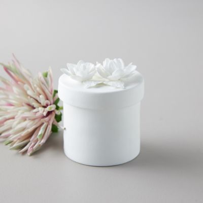 Rosy Rings Porcelain Candle, Dahlia