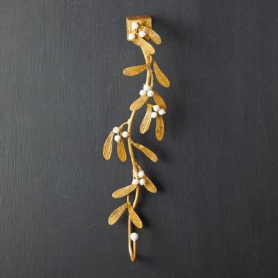 Gilded Mistletoe Wreath Hanger