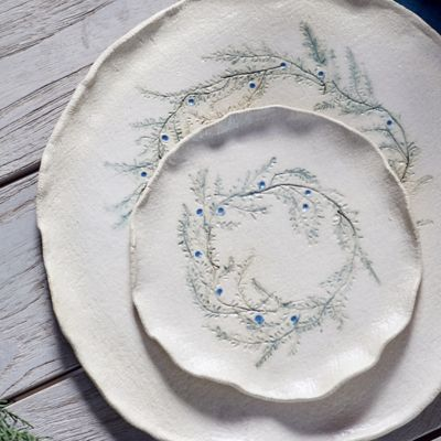 Evergreen Wreath Stoneware Plate Terrain