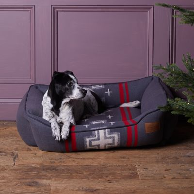 Pendleton Cross Pet Bed