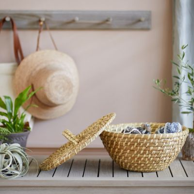 Round Seagrass Basket with Handle