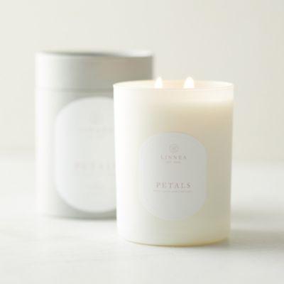 Linnea Candle, Petals