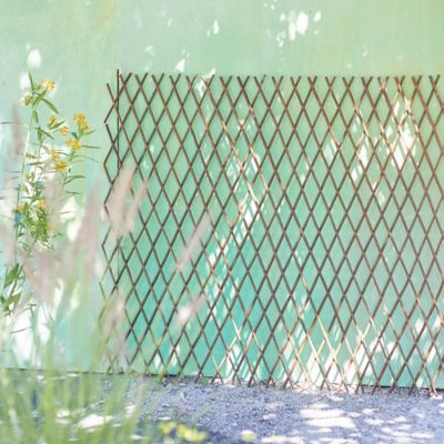 Expandable Willow Diamond Fence