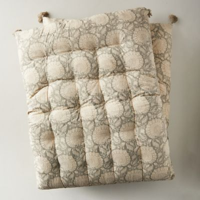 Tufted Outdoor Cushion, Gray Paisley